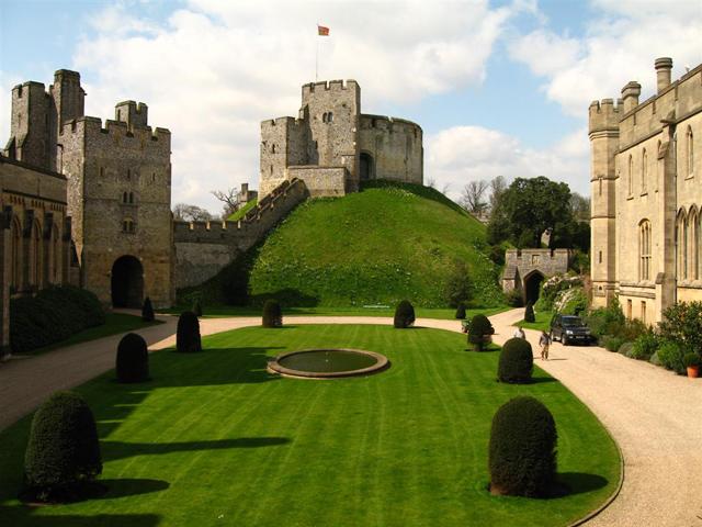 Schulfahrt England: Arundel Castle (Innenhof)