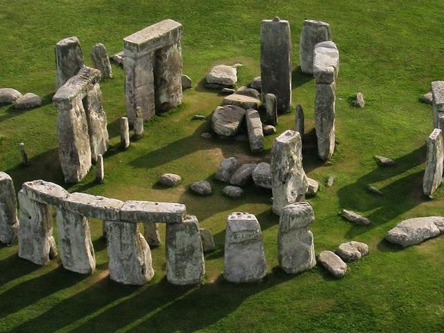 Schulfahrt England: Ausflug Stonehenge (Vogelperspektive)