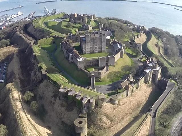 Schulfahrt England: Ausflug zum Dover Castle (Außenansicht)