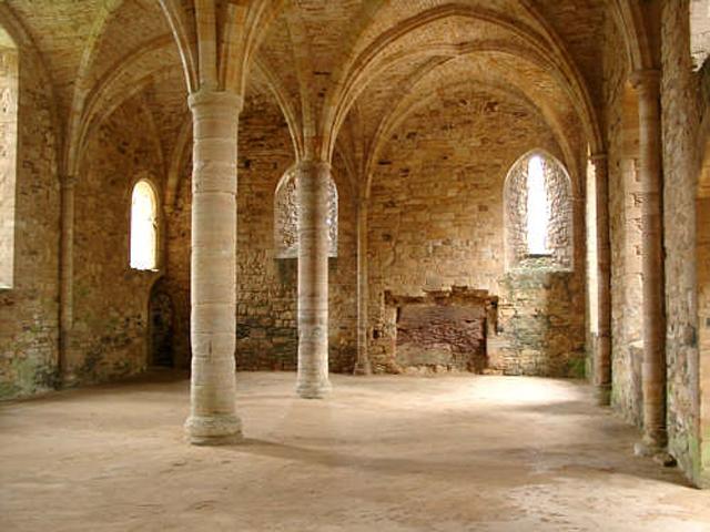 Schulfahrt England: Battle Abbey - Säulenhalle